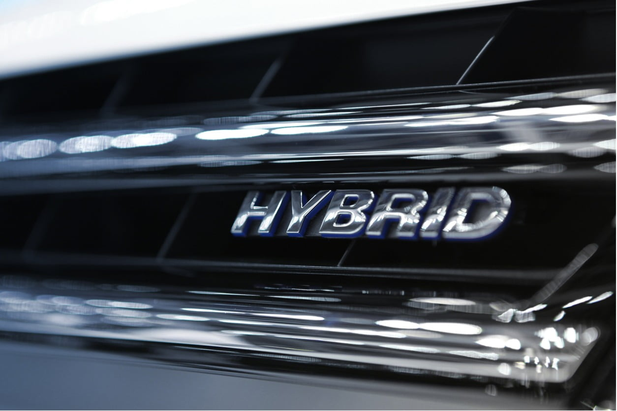 A Complete Guide to Hybrid Cars